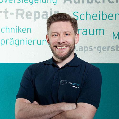 Colin McCafferty, Mitarbeiter von AutOptik, Autoaufbereitung Bayreuth.